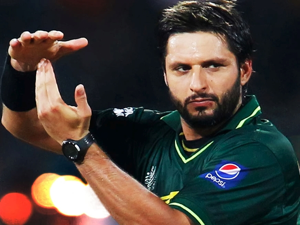 Shahid_Afridi_Kohli_Indian_Team_CT