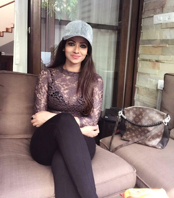 leesha-kanmani-serial-actress